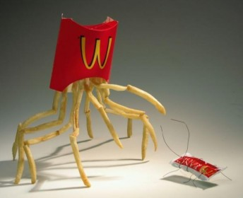 mcdonalds-food-art-sculptures-crab-and-cockroach1-344x280